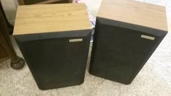 Photo Vintage USA Pioneer Speakers 4 Home Stereo - $43 (Apple Valley)