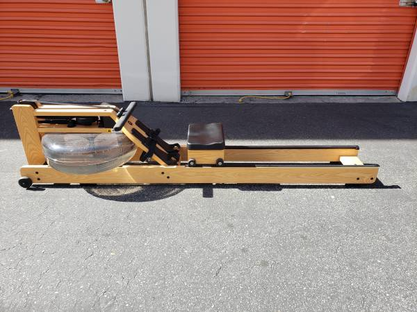 Photo Waterrower Oxbridge With S4 Monitor Rower Concept 2 Water Rower - $900 (Walnut)