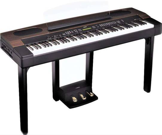 Photo YAMAHA PROFESSIONAL DIGITAL PIANO 88 WEIGHTED KEY, MADE IN JAPAN - $750 (MURRIETA)