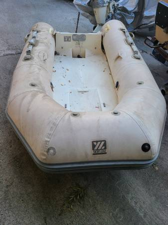 Photo ZODIAC YACHT LINE 275 R INFLATABLE HYPALON BOAT - $500 (Ontario)