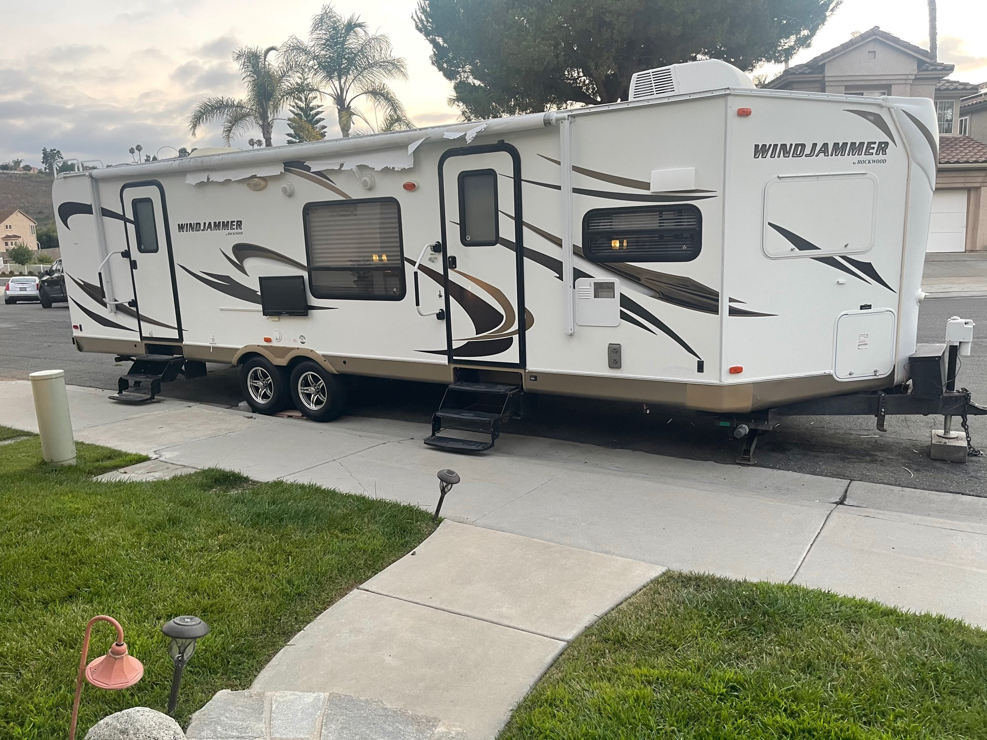Photo Used 2007 Fleetwood Class A RV  $59995