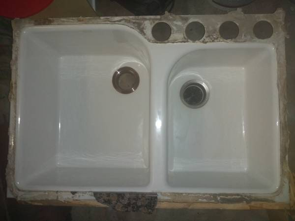 Photo Used CAST IRON quotDOUBLE SINKquot - $350 (KOHLER SINK  Corona  Offers Welcome)
