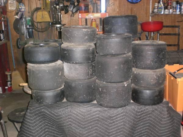 Photo go kart tires - $5 (norco)
