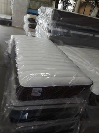 Photo twin pillow top Mattress  box spring,plush soft, - $180 (Riverside)