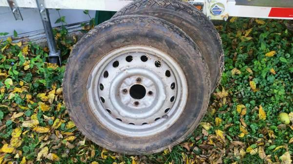 Photo 17570 HR 15 - 4 Lug Wheels (Mineral Point)