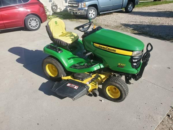 Photo 2008 John Deere X320 Lawn Tractor - $1,950 (Tipton)