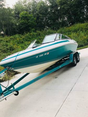 Photo Cobalt Boat - 206 Bow RiderSki Boat - $11,000 (North Liberty)