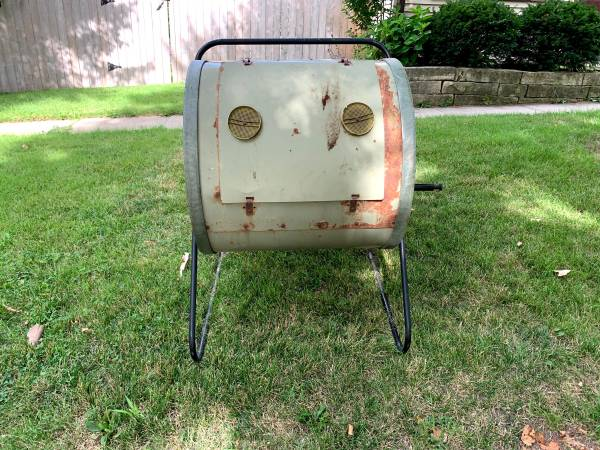 Photo Compost Tumbler (Iowa City)