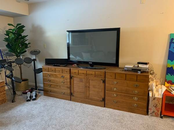Photo Ethan Allen Furniture - $200 (Iowa City)