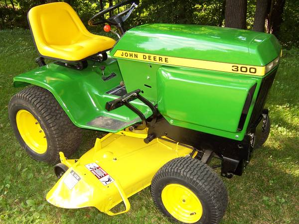 Photo John Deere 300 garden tractor, restored with 46quot mower deck - $1,550 (Iowa City)