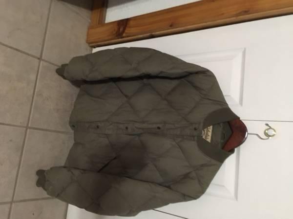 Photo Mens Cabelas down jacket - $25 (North Liberty)