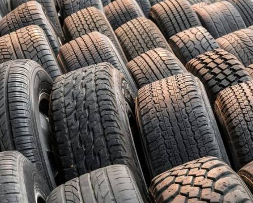 Photo Selling good used tires - $10 (Dubuque Iowa)