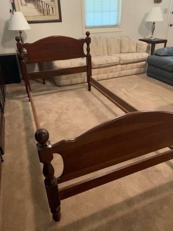 Photo Twin Cannonball Bed Frame - $80 (Iowa City NE)