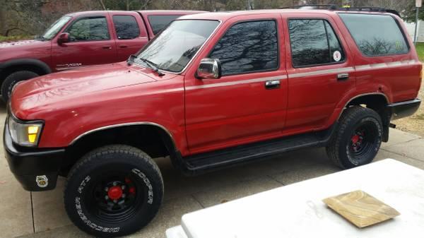 Photo UPDATE 03 Chevy Tahoe 92 Toyota 4Runner sr5 - $750