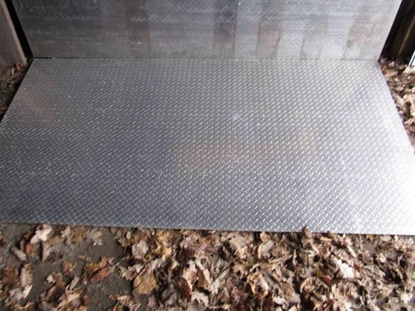 Photo 14quotx48quotx96quot H6061-T6 diamond plate sheets - $200 (Scottsville)