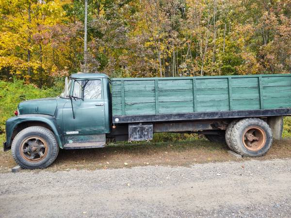 Photo 1961 International Harvester dump truck - $4,500 (Corning)