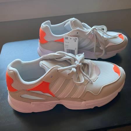 Photo Adidas Yung 96 White Orange Shoes - $50 (Ithaca)