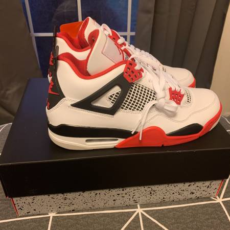 Photo Air Jordan 4 Fire Red. Mens size 8 , 9 , 10. - $246 (Ithaca)