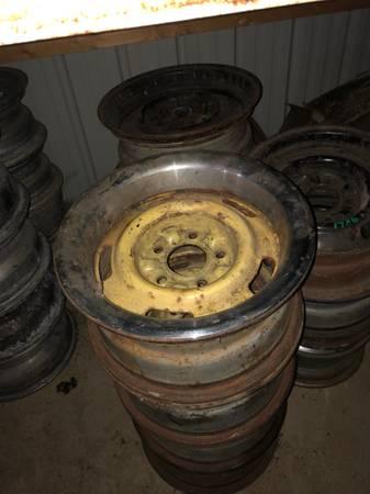 Photo Chevrolet gm rally wheels wheel rim rim set of 4 15x7 Camaro nova chevelle - $300 (Spencer)