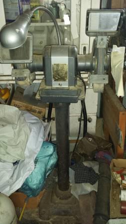 Photo Craftsman Bench Grinder with pedestal - $160 (Lansing)