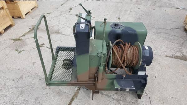 Photo DP MANUFACTURING WINCH 45BDX1L1D 45,000 lb Hydraulic Winch - $4,000 (BERGEN)