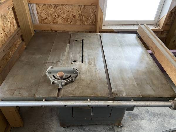 Photo Delta Rockwell table saw - $750 (Cortland)