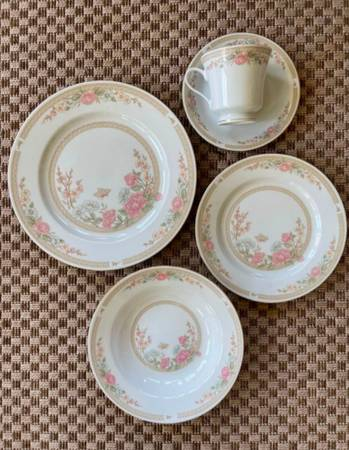 Photo Fairfield Fine China Symphony Dishes Set of Eight - $75 (Freeville)