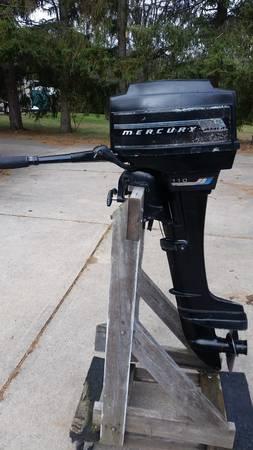 Photo Mercury Outboard Motor 9.8 HP Long Shaft - $450 (Webster, NY)
