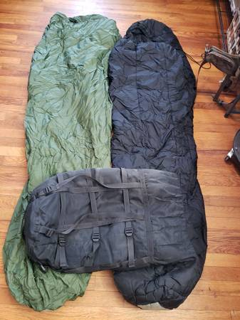 Photo Military sleeping bags mss cold weather and patrol - $125 (Genoa)