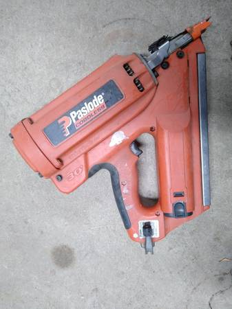 Photo Paslode cordless framing nail gun 900420 - $100 (Interlaken)