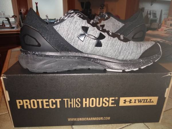 Photo Running Shoes- almost new Under Armour Charged Escape - $30 (Downtown Ithaca)