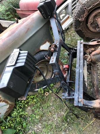 Photo Western snow plow frame and pump project 73-79 ford but modify for others - $100 (Spencer)