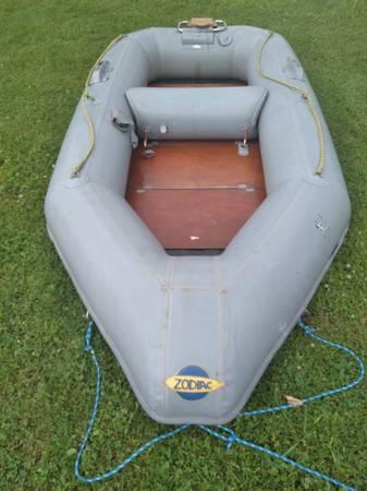 Photo Zodiac Inflatable 9.6 - $400 (Greene)