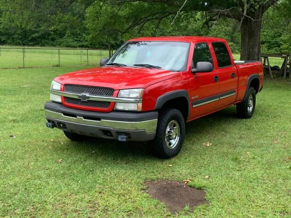 Photo 2004 Chevy Silverado 2500 - $9,800