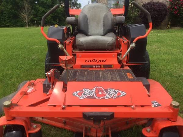 Photo 2014 Bad Boy Mower Outlaw XP 6100 61  Commercial Mower - $5500 (FLORA)