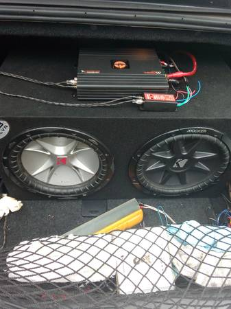 Photo 2 Kicker 12s with Quantum Audio 1,600 watt 1 channel class D mono  - $1 (JACKSON)