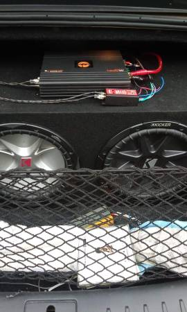 Photo 2 Kicker 12s with Quantum Audio 1,600 watt 1 channel class D mono  - $225 (JACKSON)