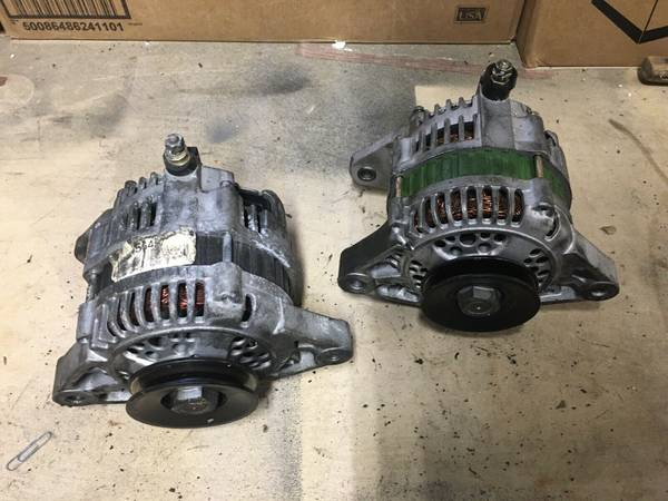 Photo Alternator, Injectors, Distributor, Nissan Hardbody KA24e Parts - $50 (Florence)
