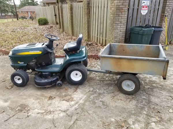 Photo Craftsman Riding Mower W Trailer - $850 (pearl)