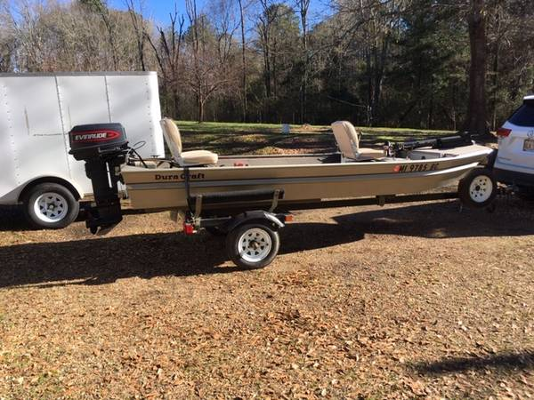 Photo Duracraft 14 FT. Aluminum Boat - $2300 (1169 SCR Pulaski, MS)