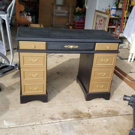 Photo New paint sewing machine desk cabinet - $150 (Madison)