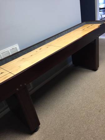 Photo Shuffleboard Table - $225 (Jackson, MS)