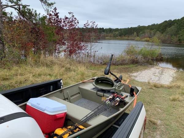 Photo Tracker 1036 Jon boat - $1,150 (Meridian)