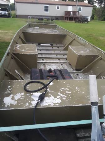 Photo 16ft by 52 fishing boat sale or trade - $2,500 (Ripley)