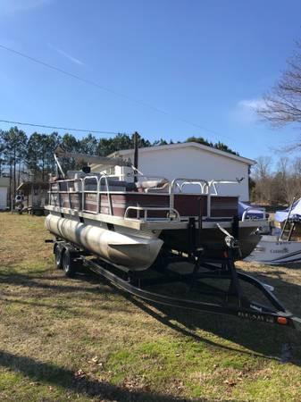 Photo 1992 Fisher Freedom 200 pontoon boat no trailer - $2,500 (Cypress inn)