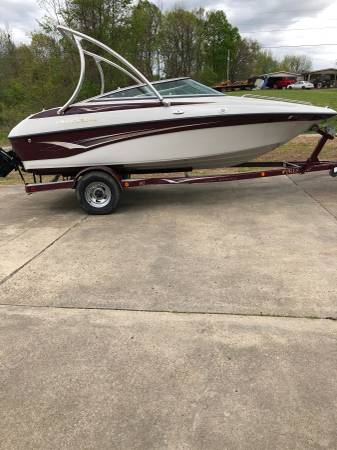 Photo 2002 crown line new 350 - $10000 (Ripley)