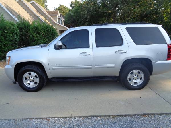 Photo 2011 Chevy Tahoe LT  4x4  Quad Seating  H Leather  134k - $14,200 (Martin  www.ckmotorsky.com)