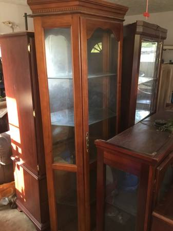 Photo 2 curio cabinets, China cabinet, Armoire,dresser,chest head board - $150 (Buchanan Tn)