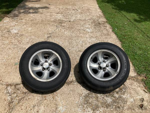 Photo 2nd Gen Chevy S10 Wheels - $350 (Jackson)