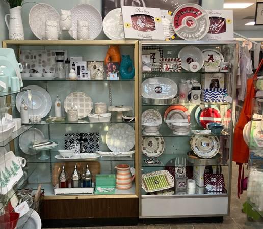Photo Display Retail Store Cases - $150 (Dyersburg)